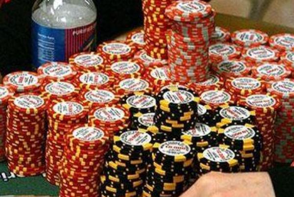 【蜗牛扑克】成为一名好德州扑克牌手!