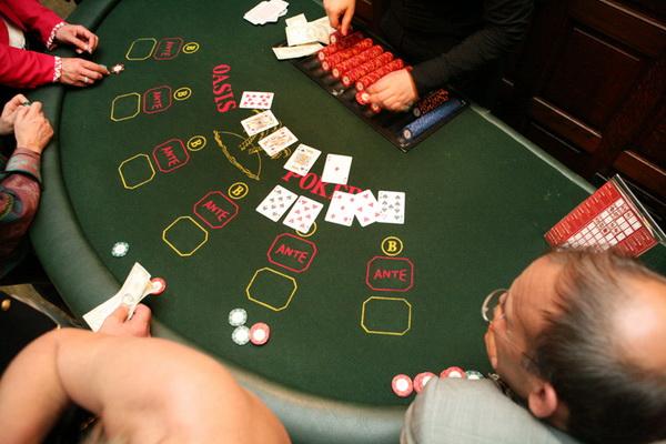 【蜗牛扑克】德州扑克为什么老人们不再打梭哈了