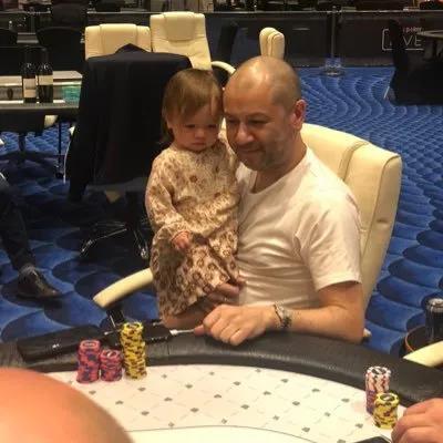 蜗牛扑克:Rob Yong就英国扑克锦标赛的潜在回归征求玩家的意见