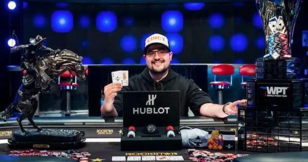 蜗牛扑克:挪用1.4亿公款WPT冠军被判超6年半