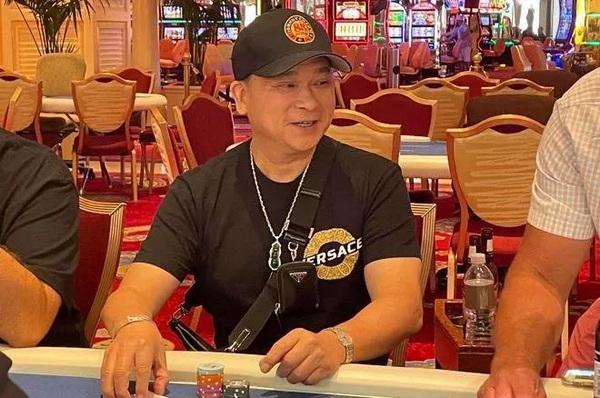 蜗牛扑克:Johnny Chan重回赛场或将与Phil Hellmuth进行一场单挑