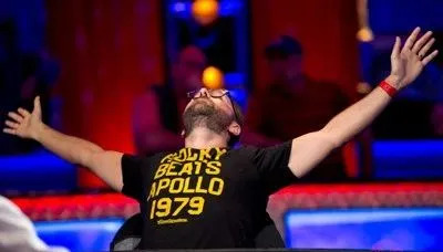 【蜗牛扑克】国人专属WSOP时间上线!开幕赛多日DAY1已开打 一起和各方大神们加入争夺金手链的行列!