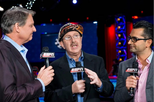 蜗牛扑克:Norman Chad为慈善事业参加今年的WSOP