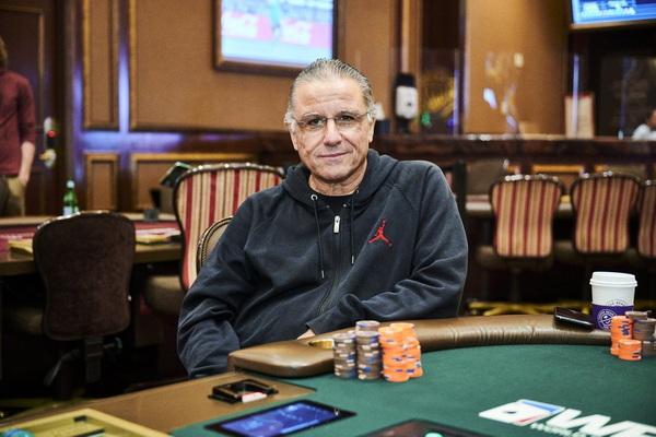 蜗牛扑克:Eli Elezra退出牌局拒绝与未接种疫苗的牌手同桌